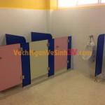 Trường Mầm Non có nên sử dụng tấm compact HPL làm vách ngăn vệ sinh không?
