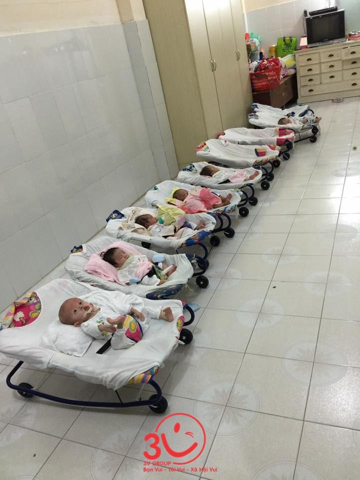 có các em bé sơ sinh bị bỏ rơi tại chùa ngay khi lọt lòng
