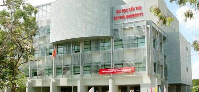 3V thi công vách ngăn vệ sinh compact trường Đại học Cần Thơ