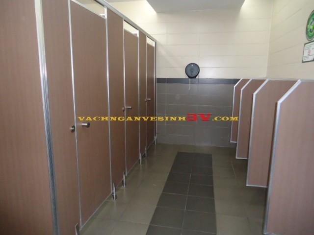 Bùng nổ thi công vách ngăn nhà vệ sinh tại Đà Nẵng