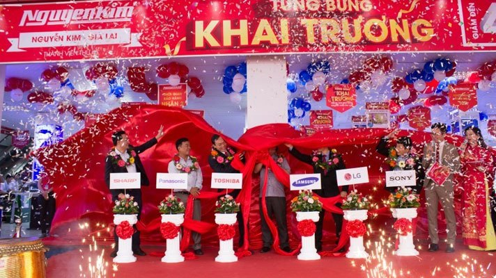 Vách ngăn vệ sinh Trung tâm mua sắm Nguyễn Kim Gia Lai mang lại sự tiện lợi và thẩm mỹ