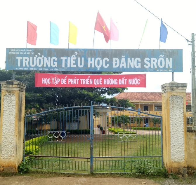 Lắp đặt vách ngăn wc compact hpl Trường tiểu học Đăng S'ron, Đức Trọng, Lâm Đồng