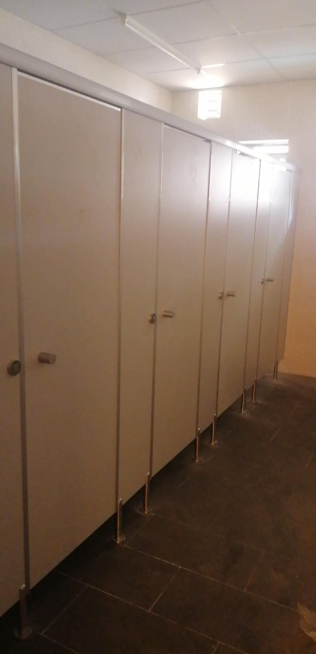Khát quát dự án làm vách ngăn nhà vệ sinh
