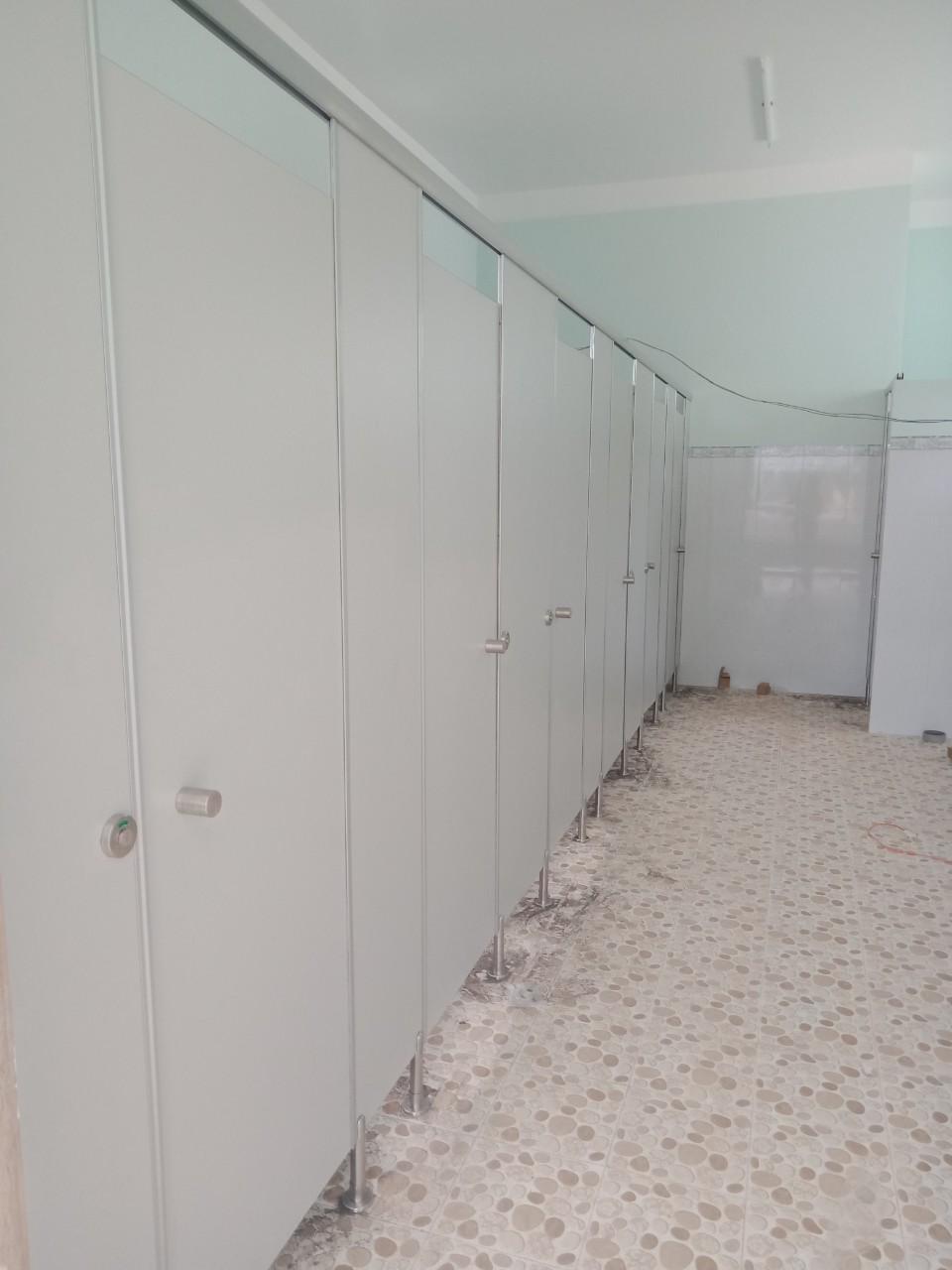 Chất lượng làm vách ngăn vệ sinh đặt lên hàng đầu