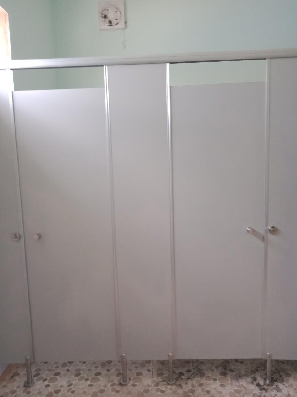 Chất lượng vách ngăn toilet đảm bảo đúng tiêu chuẩn