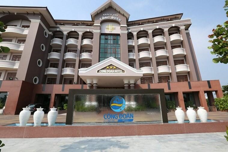 Vách ngăn vệ sinh cao cấp Khách sạn Công Đoàn, TP Tuy Hòa, Phú Yên