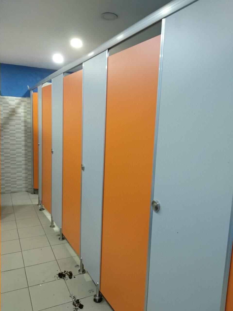 Báo giá vách ngăn chống ẩm HPL tại Nhà máy Cheng Neng Bình Dương
