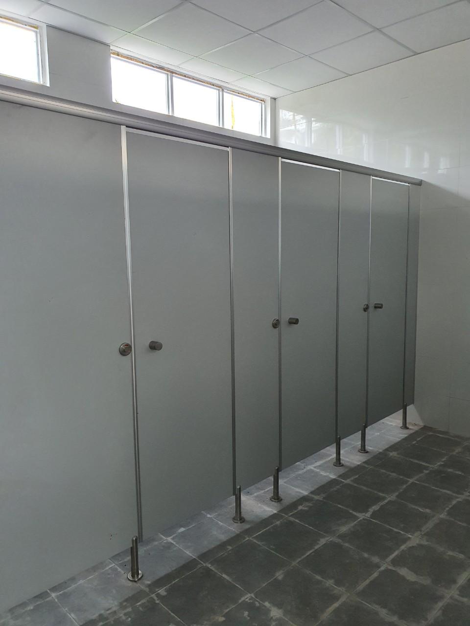 bộ phụ kiện vách ngăn vệ sinh hoode hd 150
