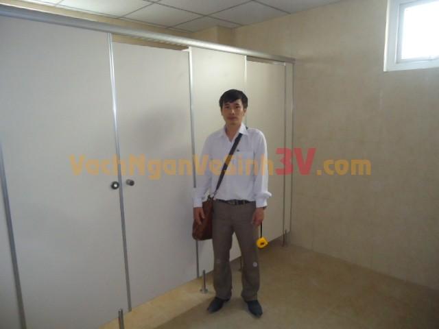 3V thi công vách ngăn WC cho Nhà máy bia Sài Gòn tại Vĩnh Long