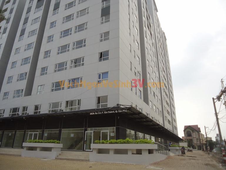 Vách ngăn vệ sinh Composite tại Chung cư Khang Gia, Quận Tân Phú, TPHCM
