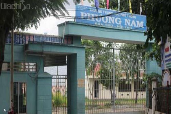 Thi công tấm compact nhà vệ sinh ở Trường THPT Phương Nam, Hà Nội
