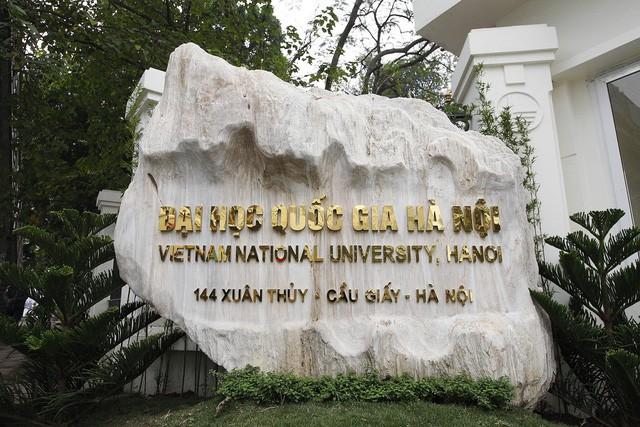 Thi công vách ngăn compact ở trường Đại học quốc gia Hà Nội