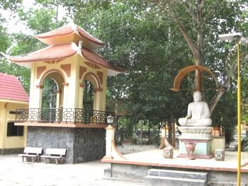 Dự án thi công vách ngăn vệ sinh tại Chùa Thiền Quang, Long Thành, Đồng Nai