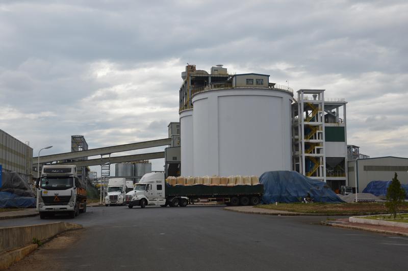 Làm vách ngăn nhà vệ sinh cao cấp cho Công ty nhôm Đắk Nông
