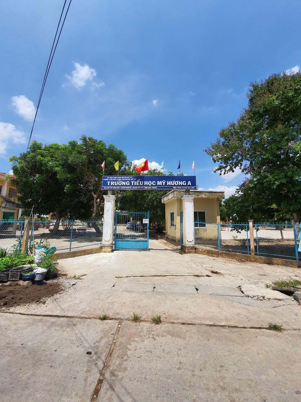 Bàn giao công trình thi công tấm compact tại Trường Tiểu học Mỹ Hương A, Sóc Trăng
