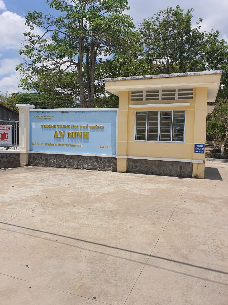 Công trình vách ngăn toilet tại Trường Trung học Phổ thông An Ninh Sóc Trăng